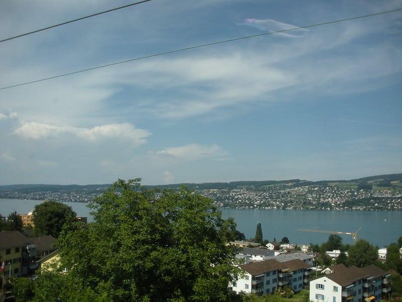 vue sur lac depuis Thalwill